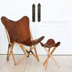This leather butterfly chair, handcrafted in Argentina using the same premium leather the famed polo saddleries use, is synonymous with iconic modern design.