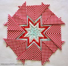 Folded Star Mat - A Spoonful of Sugar Potholder Patterns, Star Quilt Patterns, Patchwork Patterns, Star Quilts, Quilting Tutorials, Quilting Projects, Quilting Designs, Folded Fabric Ornaments, Quilted Ornaments
