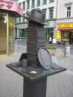 Erich Kästner Monument