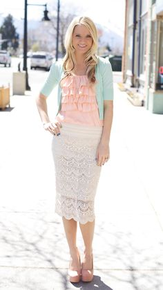 I have a similar skirt..love this soft look!