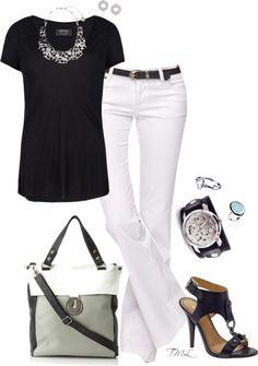 Love black and white. So classy.