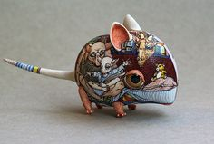 Anya Stasenko and Slava Leontyev is a duo of Ukrainian artists creating tiny whimsical porcelain creatures.