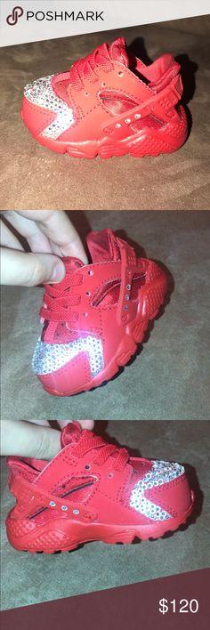 Nike huaraches Worn once Nike Shoes Athletic Shoes My Posh Closet
