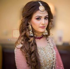 Abdullha Engagement Hairstyles, Wedding Bun Hairstyles, Loose Hairstyles, Indian Hairstyles, Dulhan Dress, Pakistani Party Wear Dresses, Bridal Makeover, Muslim Beauty, Hijab Fashionista
