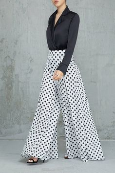 Connect the dots (white & black) white dress outfit, valentine's day outfit, Look Fashion, Fashion Pants, Fashion Dresses, Fashion 2018, Womens Fashion, White Dress Outfit, Dress Outfits, Designs For Dresses, Pants For Women