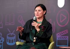 Outlander author Diana Gabaldon doesn't care what you think about her novels. It's a brave decision to make and one that I fully respect as a writer. Outlander Spoilers, Outlander News, Outlander Novel, Outlander Season 4, Outlander Quotes, Outlander Tv Series, Outlander Characters, Fiction Novels
