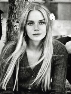 Peggy Lipton- my goodness she was so pretty!  Loved her in The Mod Squad.