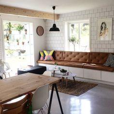 """257 likerklikk, 24 kommentarer – vigdis reisæter (@vigdisreiseter) på Instagram: """"💛sittebenken har blitt sofa! #sittebenk #custommade #skinnputer #rearranging #myhome #sofa"""""""