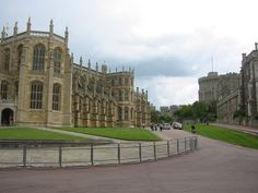 Windsor Castle, Windsor, England/ two and a half weeks ago:) Places To Travel, Places To Visit, Windsor England, Christmas In England, Dream Trips, Windsor Castle, Royal Palace, Palaces, Castles