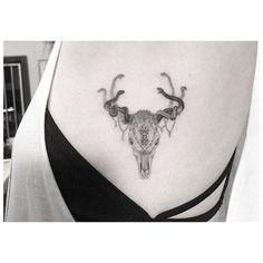 Fun lil Skull n snake based from some art ref by ☠ Dr Woo Tattoo, Deer Tattoo, Doctor Woo, Body Mods, Tatting, Tattoo Designs, Tattoo Ideas, Piercings, Skull