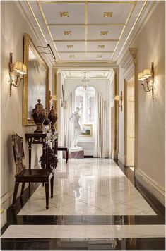 18 Luxury Entryway Decoration Ideas You Have To Know – Welcome to our gallery which displays the unique design of the entrance (porch) in luxury homes to find decorating inspiration ideas. Flur Design, Plafond Design, Design Design, Modern Entryway, Entryway Decor, Entryway Ideas, Entryway Lighting, Hallway Ideas, Luxury Homes Interior