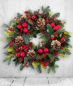 Rich Reds Christmas Wreath