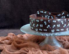 Tiramisu mousse torta mintás csokiköpenyben Mousse, Cake, Food, Kuchen, Essen, Meals, Torte, Cookies, Yemek