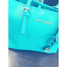 Michael Kors Out-let, 2016 Womens Fashion Styles Michael Kors Hamilton USD, MK Handbags Out-let High-Quality And Fast-Delivery Here. Stylish Men, Stylish Outfits, Fall Outfits, Summer Outfits, Handbags Michael Kors, Mk Handbags, Designer Handbags, Mickeal Kors, Kids Fashion