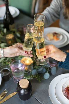 No matter how well you plan, entertaining during the holidays can be stressful. Here are our 10 tips for elegant but low-stress entertaining. Wine Wednesday, Easy Entertaining, Food Festival, Dining, Elegant, Holiday, Tips, Festive, Dinners