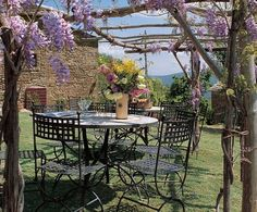 AD 2005 February: A Tuscan Revival - What a pleasant way to enjoy breakfast