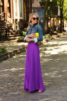Do you love this bold purple maxi skirt? Does it make the outfit? Purple Maxi Skirts, Purple Skirt, Pleated Maxi, Maxi Dresses, Chiffon Skirt, Dress Skirt, Flowy Skirt, Looks Style, Style Me