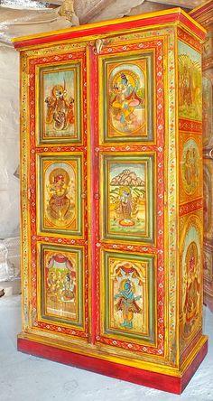 Armoire peinte divinités indiennes. Plus qu'un meuble, un véritable chef- d'œuvre, remarquable meuble indien peint, chaque panneau est un tableau représentant des divinités indoues. Origine : Rajasthan, Inde Retrouvez ce meuble sur http://www.artisanatsindien.com Plus