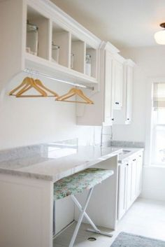 Best 20 Laundry Room Makeovers - Organization and Home Decor Laundry room organization Laundry room decor Small laundry room ideas Farmhouse laundry room Laundry room shelves Laundry closet Kitchen Short People Freezer Shiplap Mudroom Laundry Room, Laundry Room Layouts, Laundry Room Remodel, Laundry Room Organization, Laundry Room Folding Table, Laundry Decor, Laundry Storage, Laundry Cart, Modern Laundry Rooms