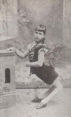 20 Fotos de antiguas estrellas del circo que se convertirán en tus pesadillas. ¡Madre mía! | Qcosas