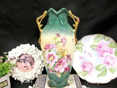 AUSTRIA stunning painted tall vase with azalea flowers gold handles green COLORS Vases For Sale, Clay Vase, Vase Shapes, Vase Centerpieces, Tall Vases, Fine Porcelain, Paint Designs, Green Colors, Interior Decorating