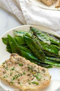 pork chop recipes This Butter Ranch Crockpot Pork Chops recipe is made with just 5 ingredients and cooked in your crockpot for a super easy main dish pork chop recipe! Easy Pork Chop Recipes, Pork Recipes, Vegetarian Recipes, Keto Recipes, Cooker Recipes, Crockpot Recipes, Easy Recipes, Healthy Recipes, Leftover Pork Chops