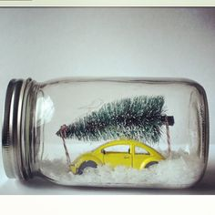 DIY Winter Wonderland Mason Jar.