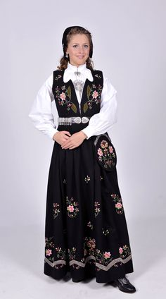 lundebydrakt Norwegian Clothing, Norway, Dame, Traditional, Costumes, Red, Clothes, Vintage, Dresses