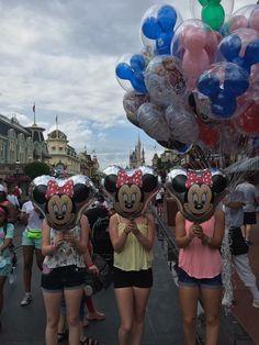 Senior trip picture ideas with friends-- Disney world
