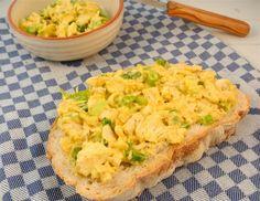 Heerlijke kip-kerriesalade voor op brood. Lekker, snel en simpel te bereiden.