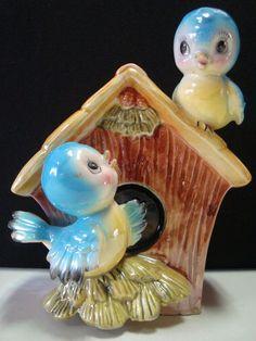 Vintage Norcrest Baby Bluebirds Birdhouse Bank