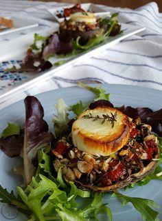 Gevulde portobello Portobello Recipes, Low Carb Vegetarian Recipes, Vegetarian Dinners, Vegan Recipes, Churros, Tapas, Christmas Food Treats, Good Food, Salad