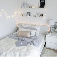 decor for teen girls 38 Cute and Girly Bedroom Decorating Tips for Teenagers cute bedroom ideas; bedroom for girls. White Bedroom Decor, Room Ideas Bedroom, Small Room Bedroom, Bedroom Themes, Home Decor Bedroom, Bedroom Wall, Diy Bedroom, Bedroom Girls, Bedroom Lamps