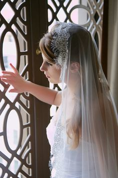 Prettiest veil in soft white / very light ivory