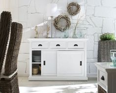 Rustic White Sideboard With Sliding Doors Shabby Chic Moderne, Modern Shabby Chic, Shabby Chic Living Room, Shabby Chic Homes, White Buffet, White Sideboard, Buffet Set, Shabby Chic Kitchen Shelves, Discount Interior Doors