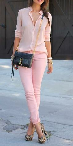 Check out These Super Sweet Pastel Street Style Looks for Outfit Inspiration . Pink Fashion, Love Fashion, Fashion Outfits, Womens Fashion, Fashion Spring, Modern Fashion, Fashion Check, Fashion Days, Daily Fashion