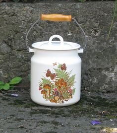 Soviet Vintage enamel milk can with lid. White milc can by OldBox, $33.00