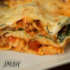 Cooks from home is an online community marketplace for buying or selling homemade food Spinach Lasagna, Delicious Dishes, Spanakopita, Sauce, Homemade, Cooking, Ethnic Recipes, Food, Lasagna