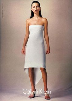 Kate Moss for Calvin Klein Spr/Sum 1999 Fashion Kids, Fashion Models, Folk Fashion, Vintage Fashion, Fashion Outfits, Fashion Fashion, Retro Fashion, 90s Models, Grunge Outfits