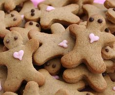 A cute way to decorate gingerbread boy cookies for Valentine's Day.