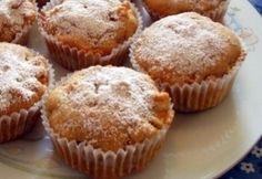 16 irtó gyors muffin, aminek még hétköznap reggel is nekiállhatsz | nosalty.hu Muffins, Cake Recipes, Cupcakes, Breakfast, Sweet, Food, Hungarian Recipes, Morning Coffee, Candy