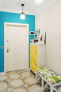 New vintage design interior entrance Ideas Home Interior, Interior Decorating, Do It Yourself Decoration, Entryway Flooring, Modern Hallway, Vintage Interior Design, Craftsman House Plans, Paint Colors For Living Room, House Entrance