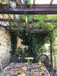 Terrassen » Die Pergola im Garten als Rückzugsort mit blühenden ...