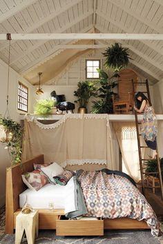 17 Incredible Bohemian Loft Bedroom Design Ideas For Cozy Sleep Inspiration – . 17 Incredible Bohemian Loft Bedroom Design Ideas For Cozy Sleep Inspiration – Urban Home & Apartm Dream Rooms, Dream Bedroom, Home Bedroom, Bedroom Decor, Bedroom Ideas, Bedroom Beach, Bedroom Loft, Mezzanine Bedroom, Apartment Bedrooms