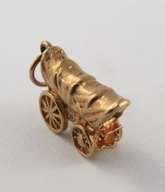 Covered Wagon 10K Gold Vintage Charm For Bracelet by SilverHillz