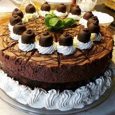 cake kuchen torte schokotorte schokoladentorte essen food schokolade foodporn tortenhus bäckerei bäcker konditor