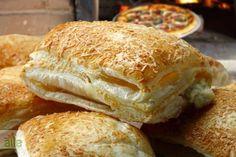 Talaş böreği tarifi... Ağızda dağılan ve kokusu mis gibi etrafa yayılan talaş böreği için işte tarifiniz! http://www.hurriyetaile.com/yemek-tarifleri/borek-tarifleri/talas-boregi-tarifi_2382.html