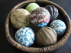 fabric wrapped orbs with modge podge - love the burlap