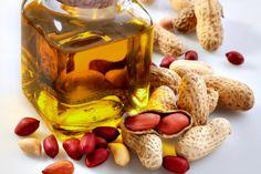 Aceite de cacahuete. ¡Conoce todas sus propiedades! - El aceite de cacahuete es un producto vegetal que puede servirnos tanto por sus valores nutricionales como cosméticos. El maní, Arachis hypogaea, es una planta herbácea nativa de América del Sur que pertenece a la [Seguir leyendo...]#nutrición #salud #aceitedecacahuete  http://saludybienestarblog.com/2016/08/03/aceite-cacahuete-conoce-todas-propiedades/