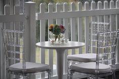 En la Caleñita puedes encontrar en Alquiler las sillas Tiffany Transparentes. Para Mas informacion. info@lacalenita.com Cali Colombia
